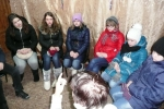 Nuorten ryhmä keskustelee Joh 13 jae 34 Kurba 7.1.2016